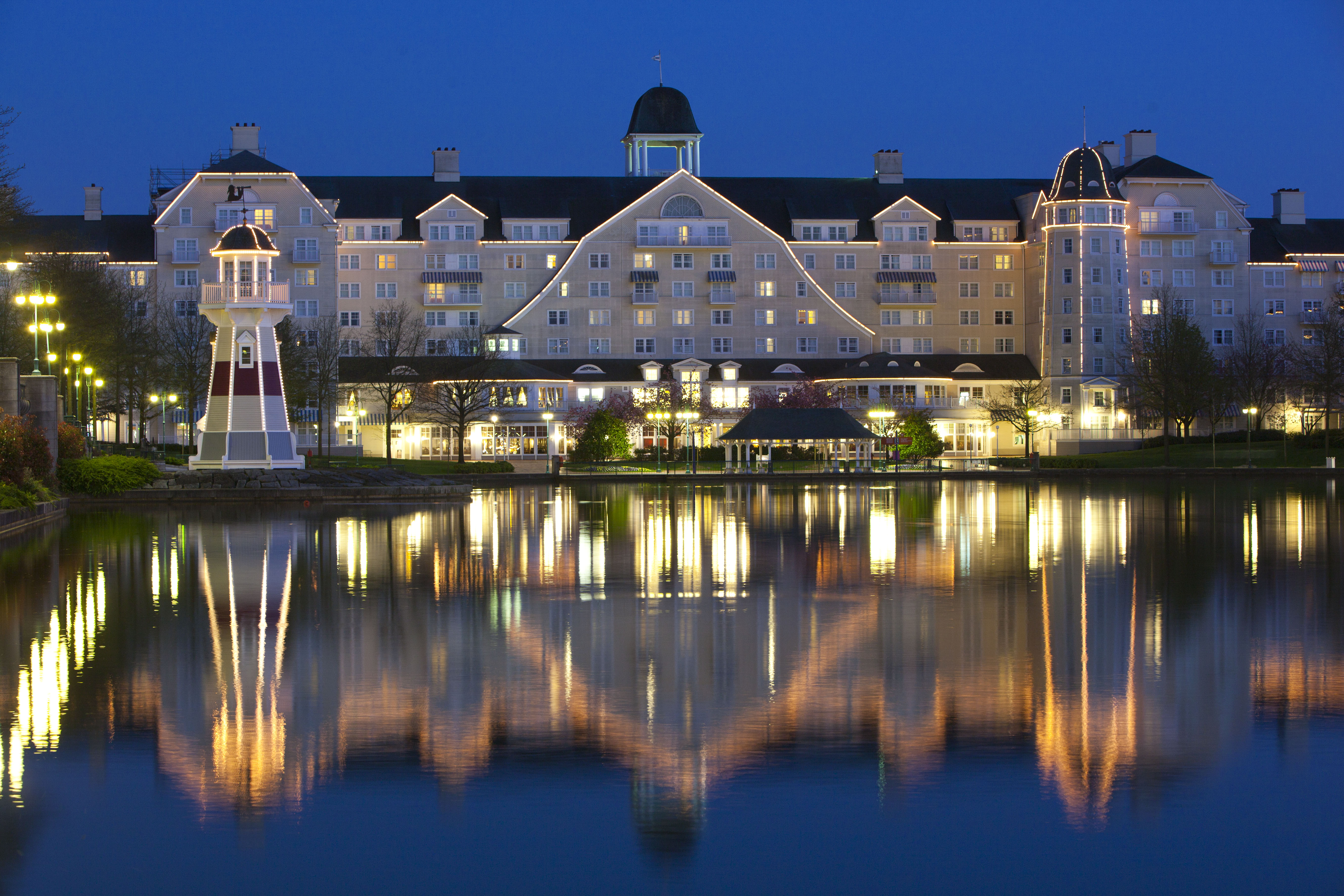 Disney's Hotel Newport Bay Club